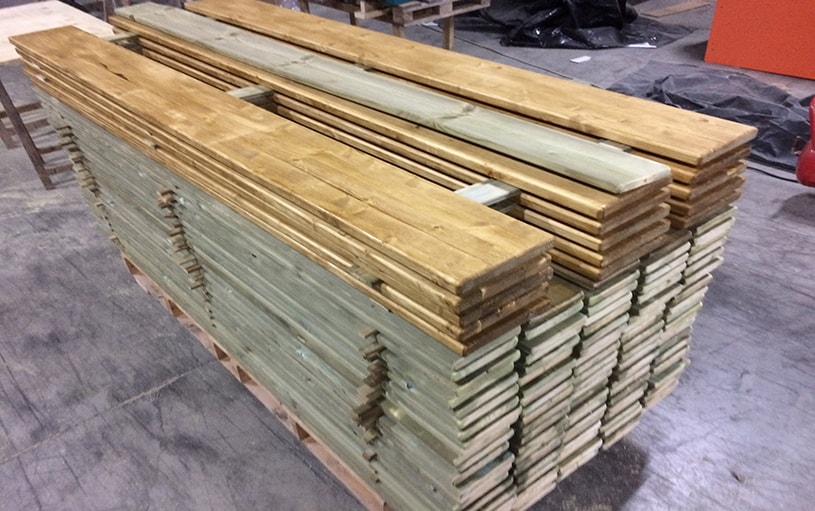 balaustre in legno per piste di ghiaccio