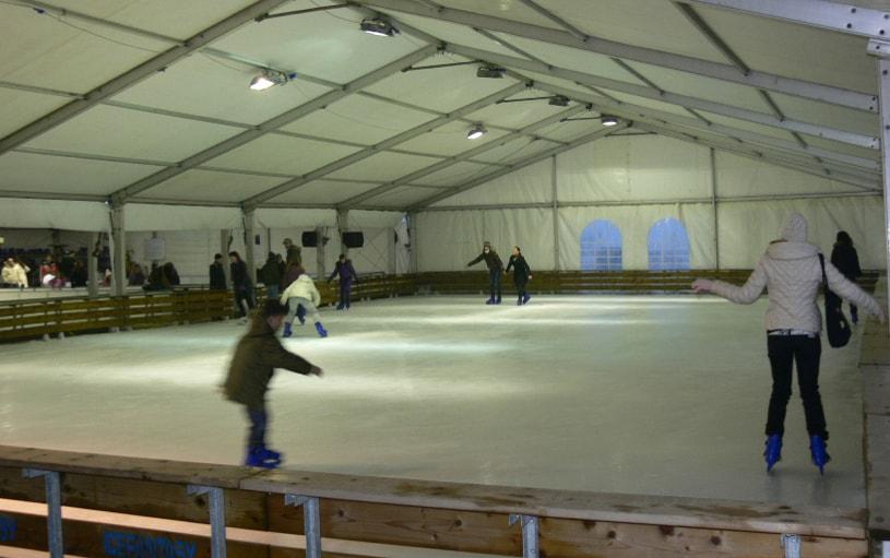 pista di ghiaccio coperta