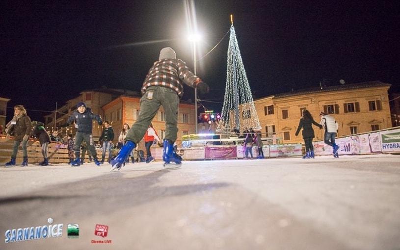 pista per pattinaggio su ghiaccio